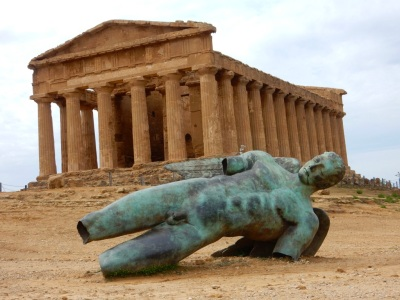 Temple of Concordia with a fallen soldier!